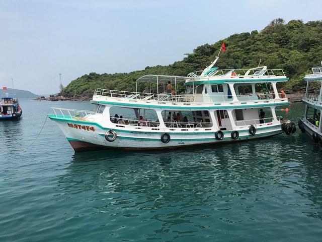 Thuê tàu khám phá Phú Quốc
