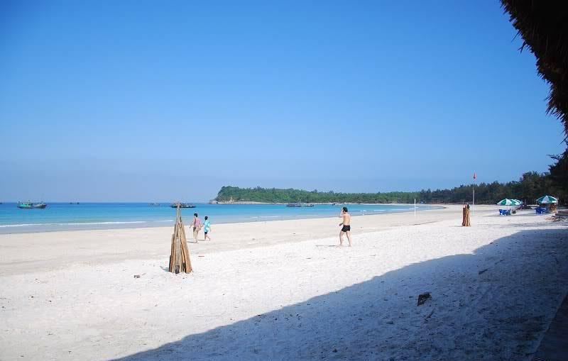 bãi biển minh châu