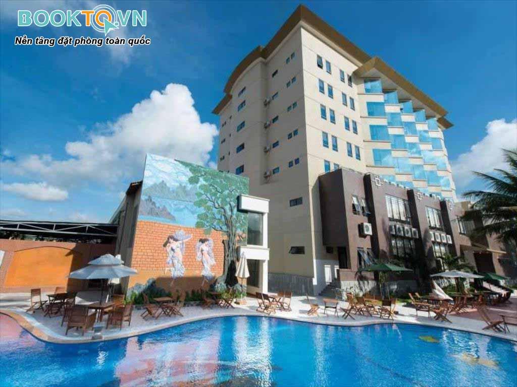 bể bơi khách sạn mường thanh quy nhơn